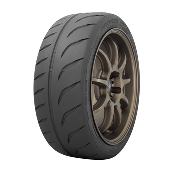 Toyo Proxes R888r / Fuel Efficiency: F, Wet Grip: B, Ext. Rolling Noise: 70db, Rolling Noise Class: B