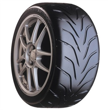 Toyo Proxes R888 / Fuel Efficiency: F, Wet Grip: B, Ext. Rolling Noise: 70db, Rolling Noise Class: B
